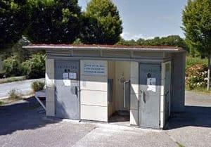 Toilettenhaus am Stellplatz Oradour-sur-Glane